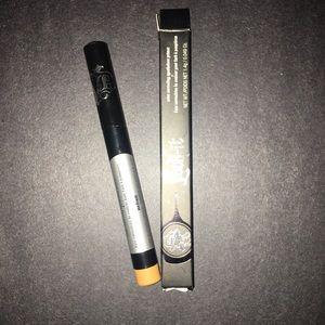 KVD lock it concealer in medium